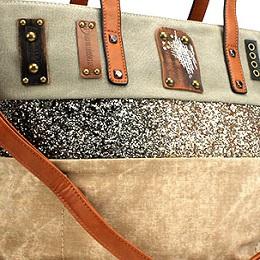 Dámska kabelka nevyhnutne patrí k outfitu každej ženy. Podľahnite aj vy a  spravte si radosť z našej ponuky krásnych dámskych kabeliek. 84fdbaf1d0b