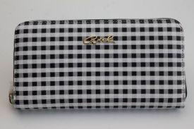 Peňaženka CQ703021060 Čierna